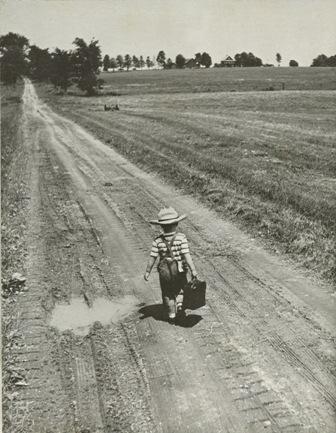 Enfant sur la route