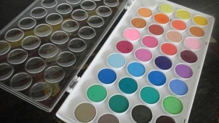 Boite de peinture à l'eau