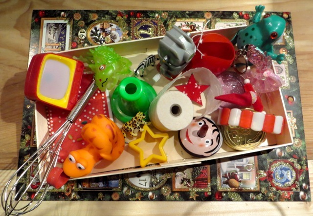boîte petits jouets