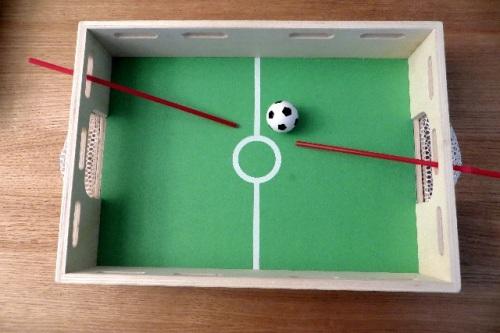 jeu de foot fabriquer si tu veux jouer. Black Bedroom Furniture Sets. Home Design Ideas