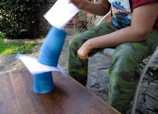 cups et papiers