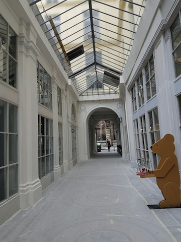 La galerie tout en blanc...